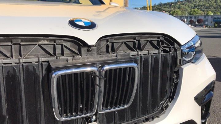 2017 - [BMW] X7 [G07] - Page 14 BMW-grille-swap-x7-e30-3-series-7