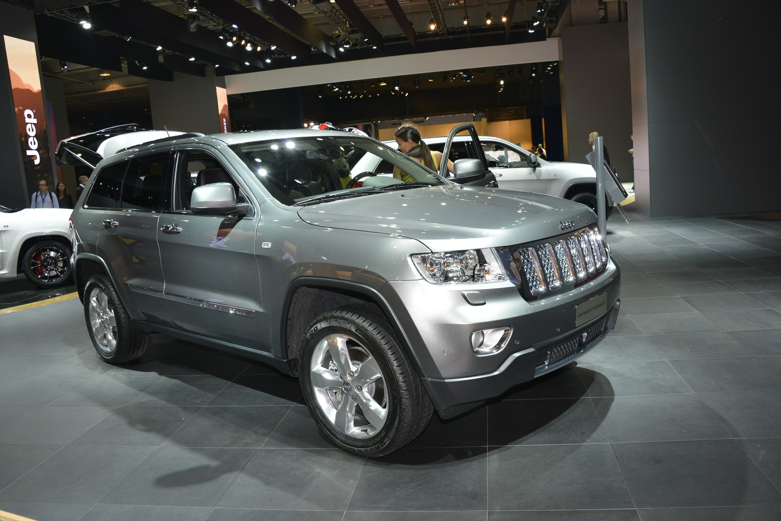 jeep stand in paris 2012 28 sep 2012 13 40 320k. Cars Review. Best American Auto & Cars Review